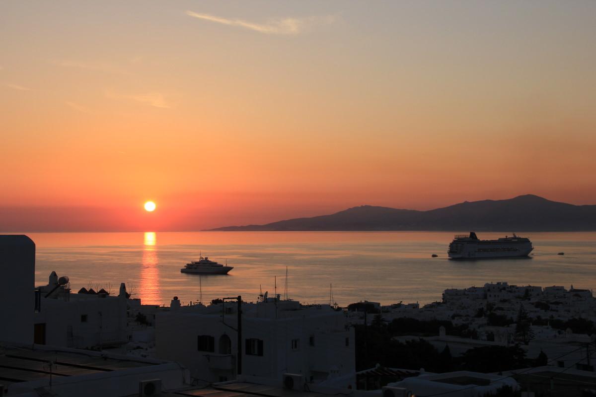 ミコノス島の夕日