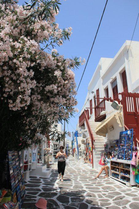 ミコノス島の路地