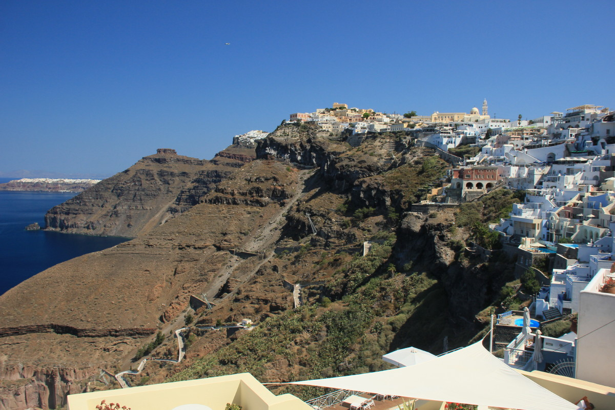断崖の上にある街