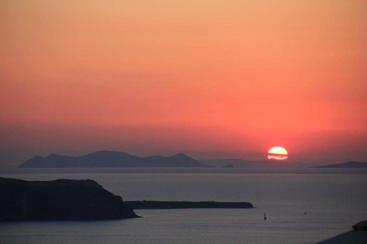 サントリーニ島の夕焼け