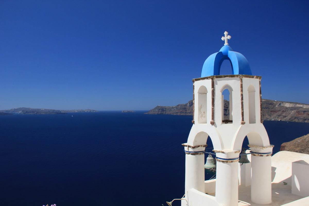 青い屋根の教会