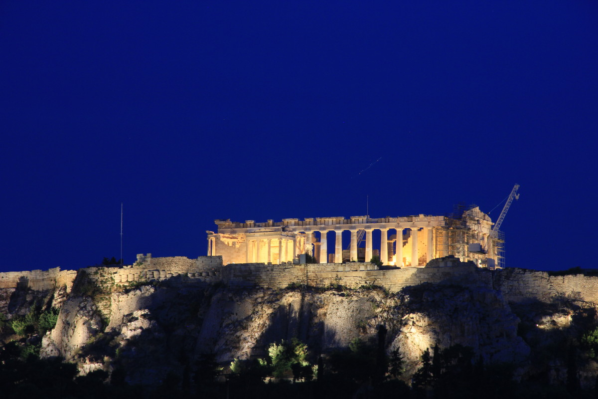 パルテノン神殿の夜景