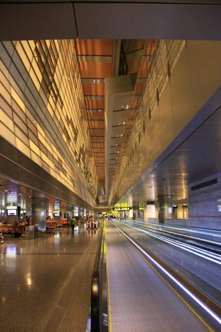 近未来チックな空港