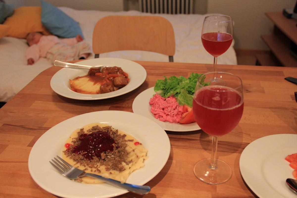 ヘルシンキの宿にて夕食