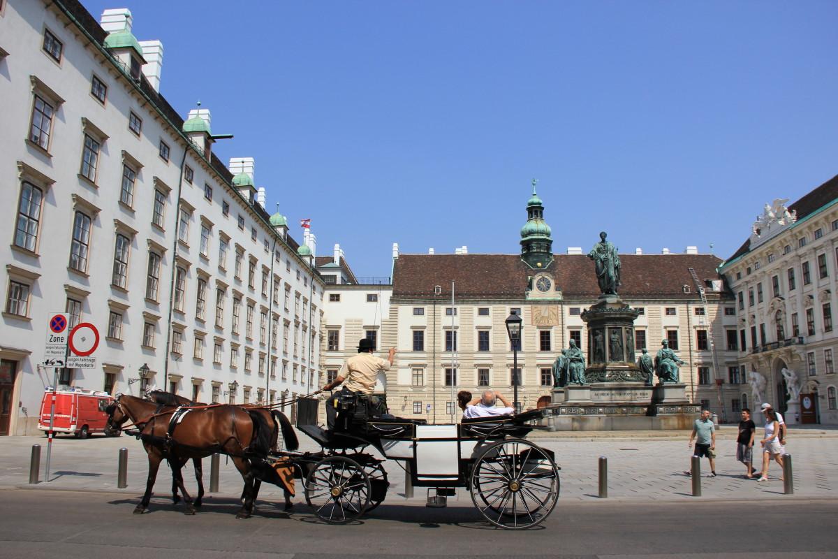 王宮の広場