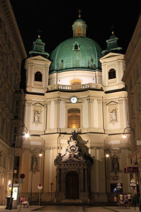 ペーター教会の夜景