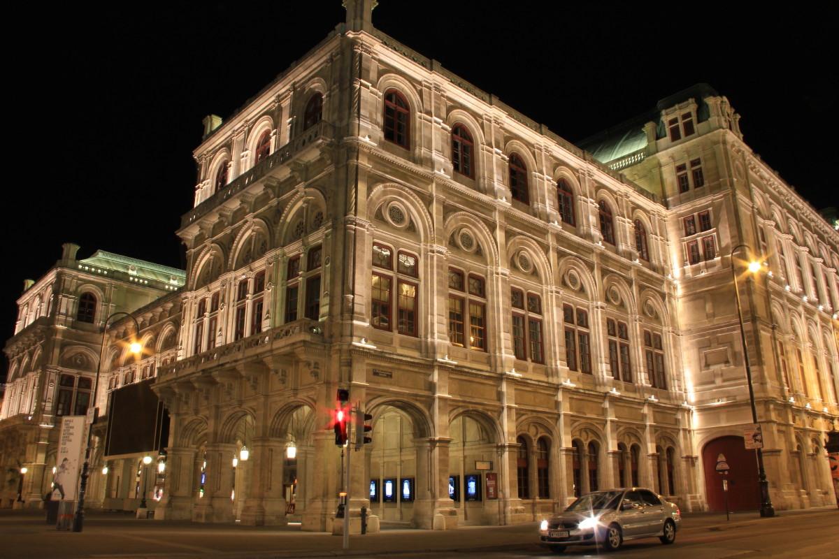 オペラ座の夜景