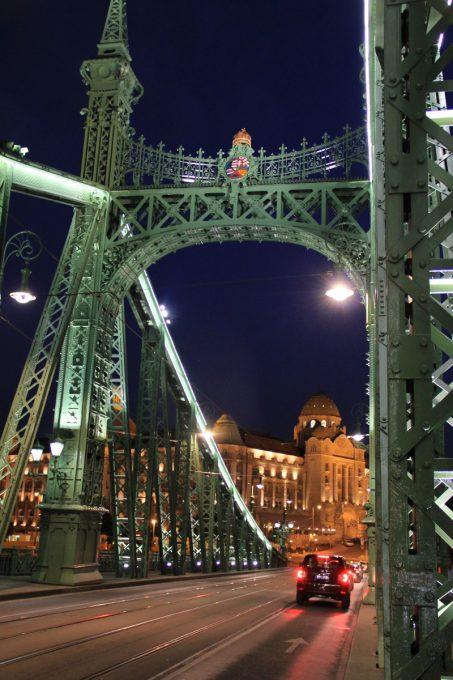 自由橋夜景