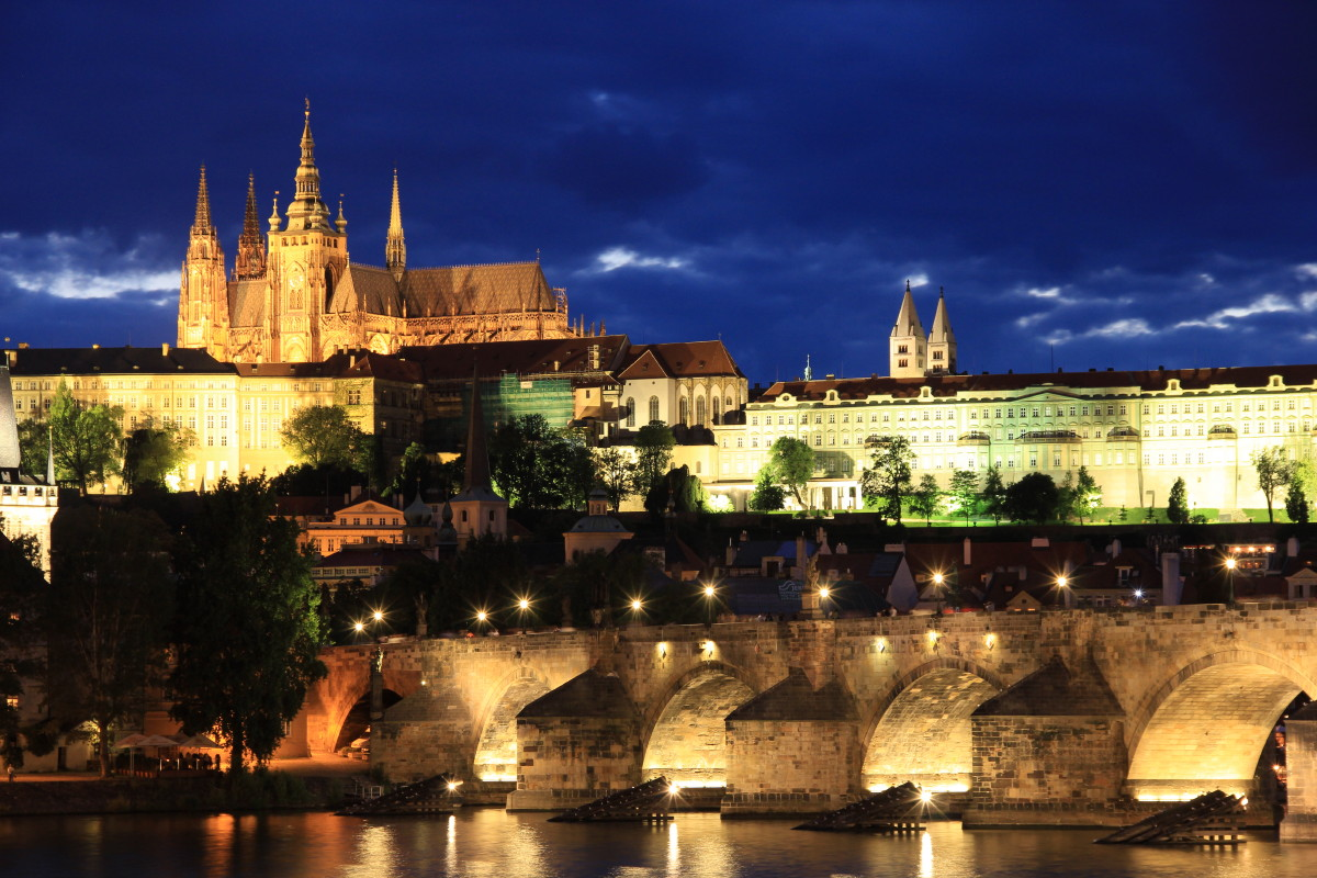 カレル橋とプラハ城