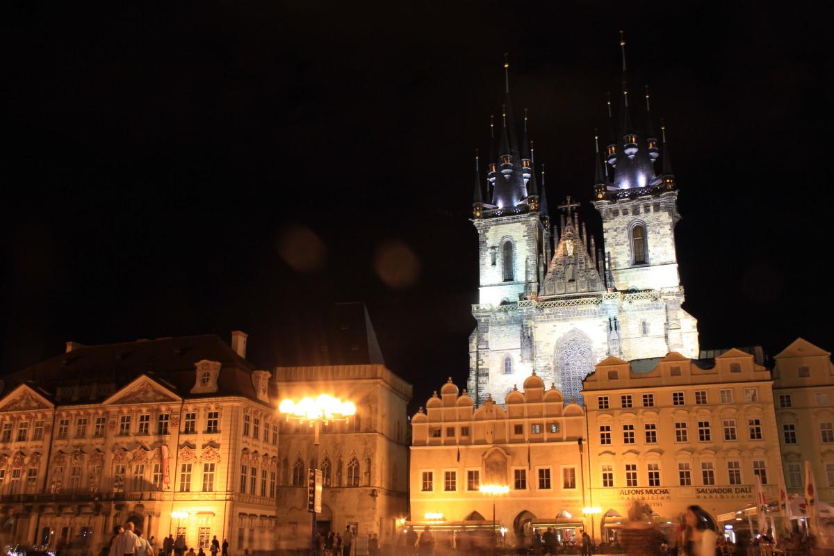 旧市街広場の夜景